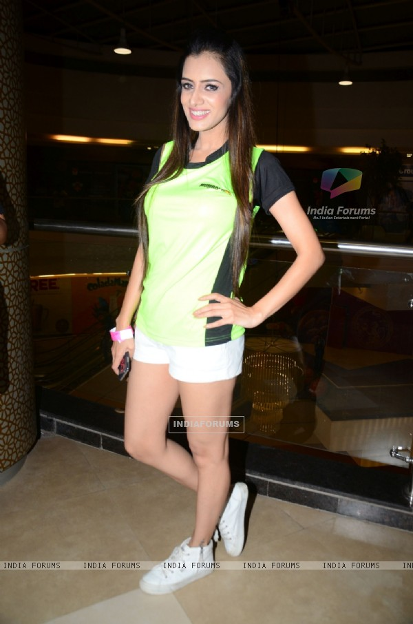Smriti Khanna at the Promotions of Team Mumbai Tigers at Edward Maya Concert