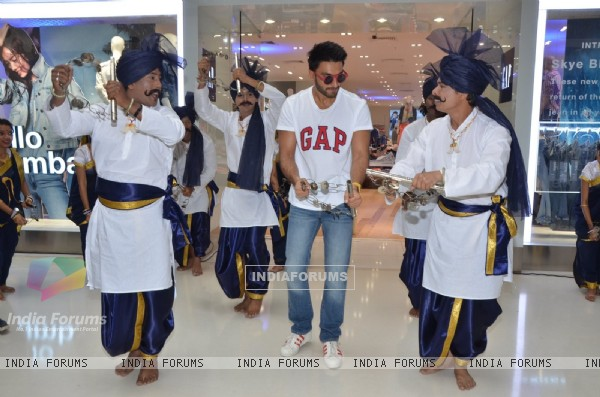 Ranveer Singh performs at Gap Jeans Store Launch