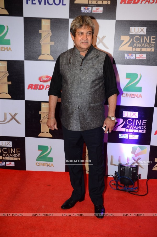 Mahesh Manjrekar at Zee Cine Awards 2016