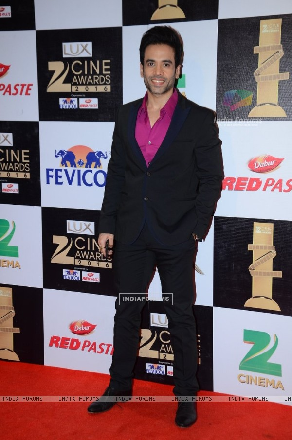 Tusshar Kapoor at Zee Cine Awards 2016