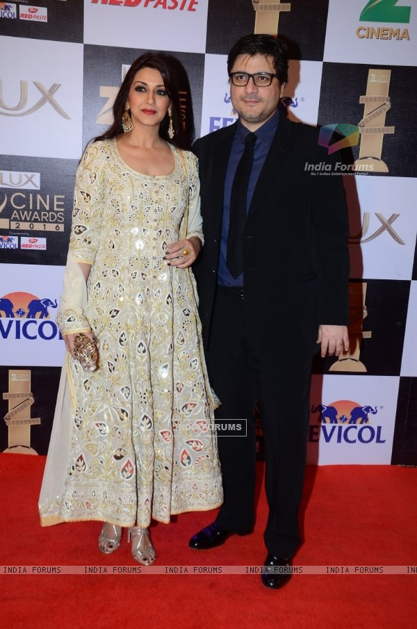 Sonali Bendre and Goldie Behl at Zee Cine Awards 2016