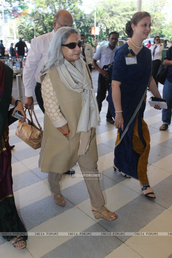 Jaya Bachchan spotted at Airport