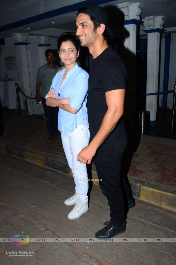 Sushant Singh Rajput and Ankita Lokhande with 'Raabta' Team for Dinner at Villa 69