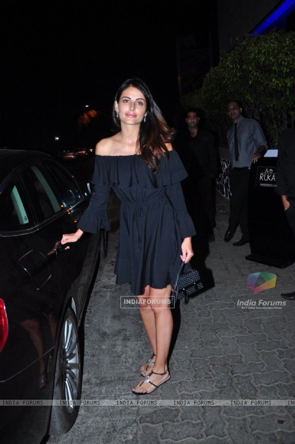Sonakshi Sinha and Mandana Karimi Snapped at Ruka
