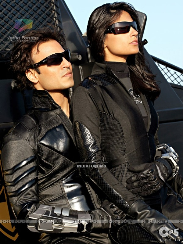 Vivek Oberoi and Aruna Shields looking gorgeous