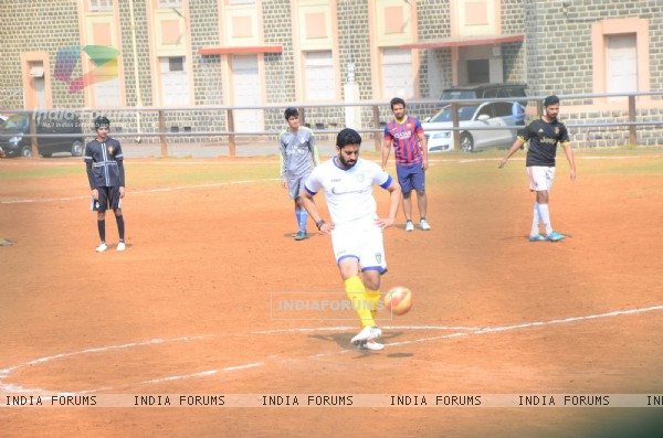 Abhishek Bachchan was snapped practicing Soccer!