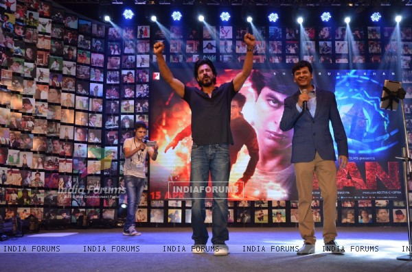 Shah Rukh Khan at Trailer Launch of 'FAN'