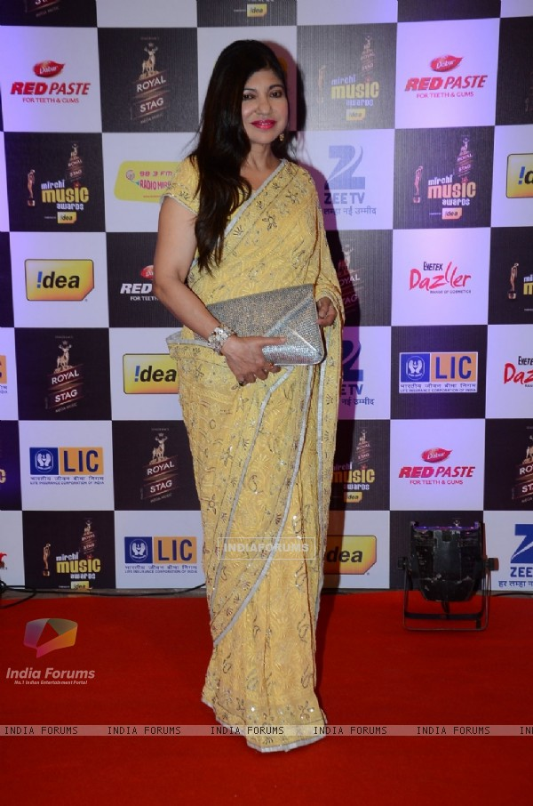 Alka Yagnik at Mirchi Music Awards 2016