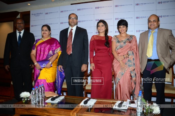 Manidra Bedi and Kajol at 'Women Wellness - Through The Ages' Event