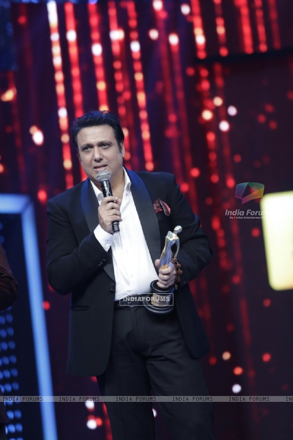 Govinda gives his Award acceptance Speech at Mirchi Music Awards 2016