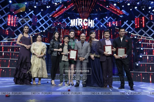 Celebs at Mirchi Music Awards 2016