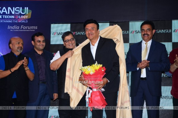 Subhash Ghai felicitates Anu Malik for recieving The Pride of Industry Award