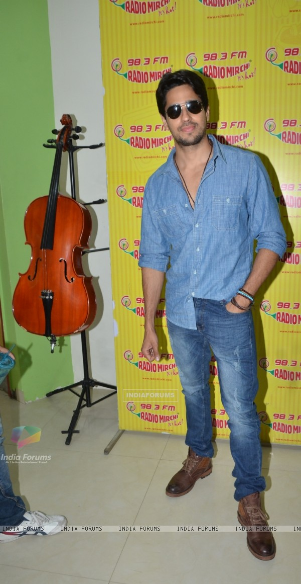 Sidharth Malhotra for Promotions of 'Kapoor & Sons' at Radio Mirchi