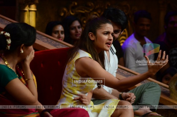 Alia Bhatt on Comedy Nights Bachao Kapoor & Sons for Promotions