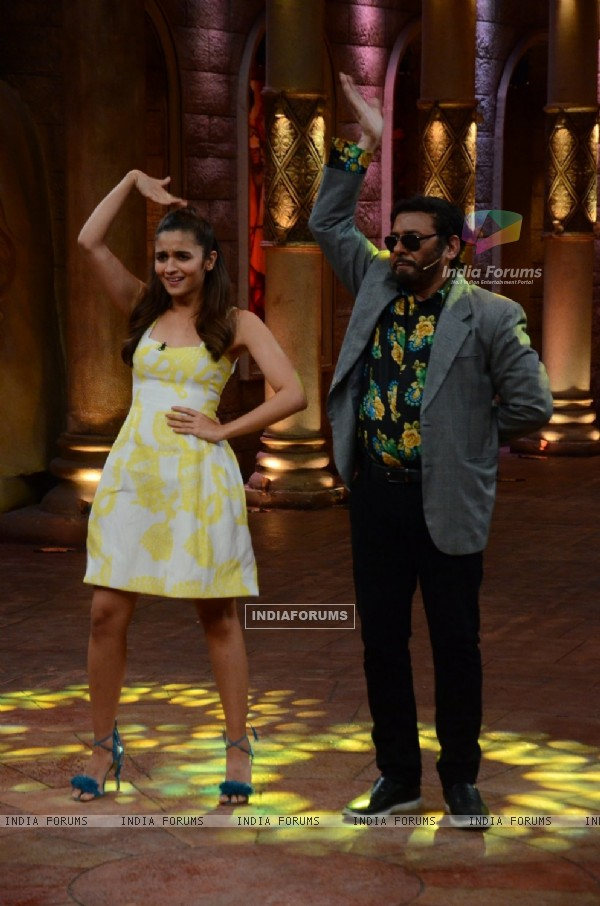 Alia Bhatt  for Promotions of Kapoor & Sons on Comedy Nights Bachao
