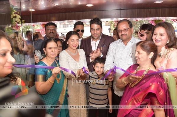 Madhuri Dixit and MP Gopal Shetty at Inauguration of PNG Jeweller's New Store