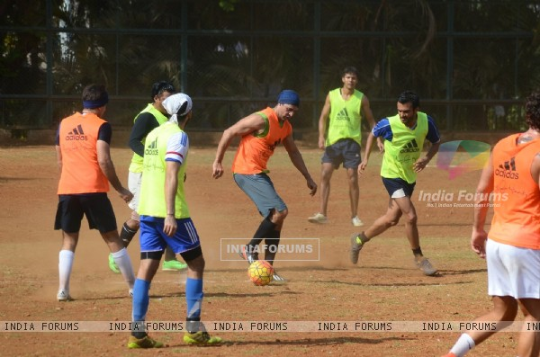 Snapped: Dino Morea Practicing Soccer!