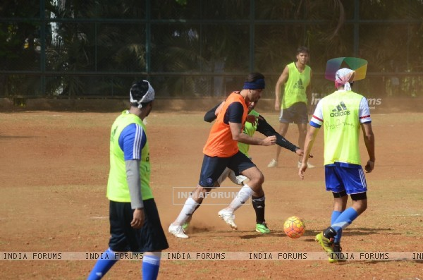 Snapped: Ranbir Kapoor Practicing Soccer!