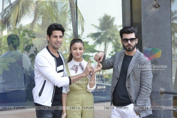 Fawad Khan, Alia Bhatt and Sidharth Malhotra pose for Kapoor & Sons Photo Shoot