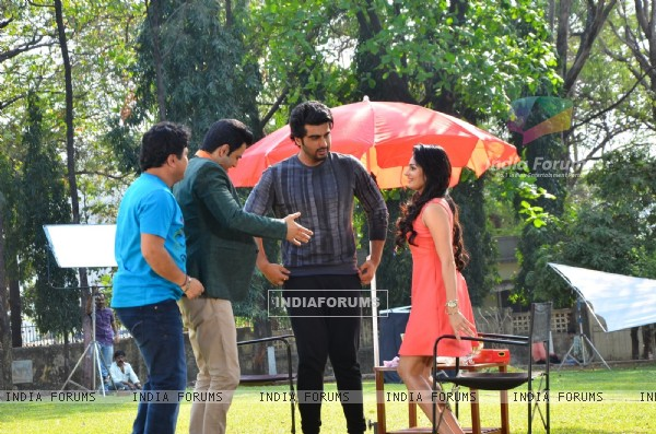 Arjun Kapoor Promotes Ki and Ka on a TV Show Set