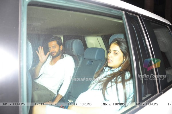 Riteish Deshmukh and Genelia Dsouza at Puneet Malhotra's Bash