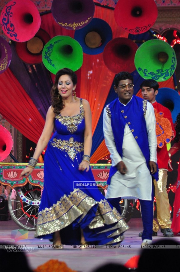 Tanuj Mahashabde and Mummun Dutta perform at SAB TV Holi Celebrations