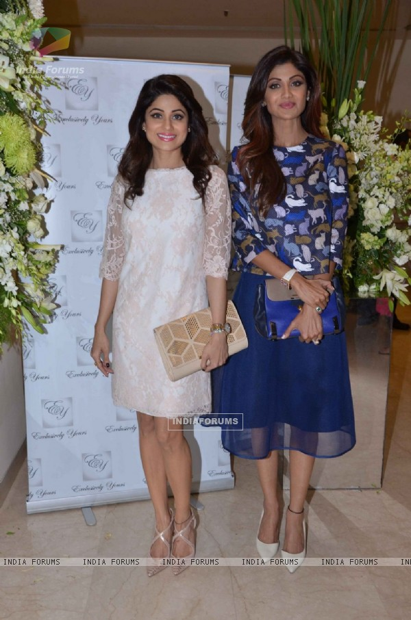 Shilpa Shetty and Shamita Shetty Snapped at  Akanksha Aggarwal's Store Launch
