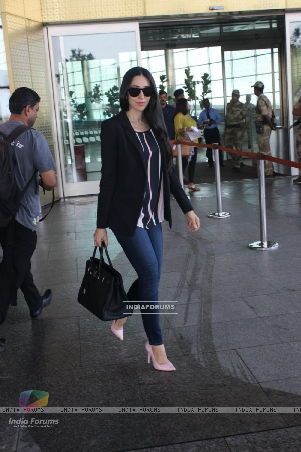 Karisma Kapoor Snapped at Airport
