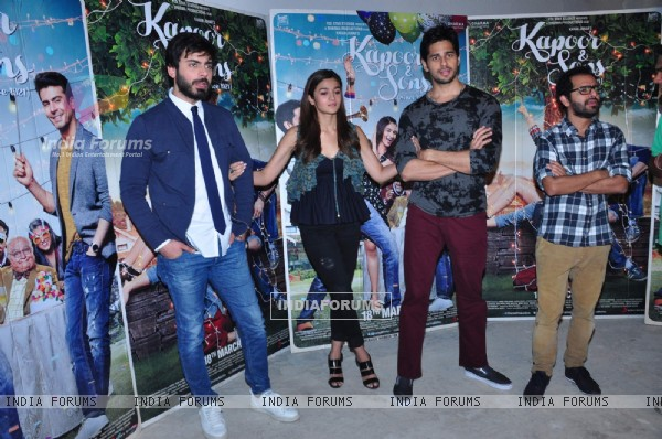 Kapoor & Sons team come together for Photo Shoot