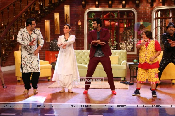 Arjun Kapoor and Kareena Kapoor Promotes Ki & Ka on Comedy Nights Live