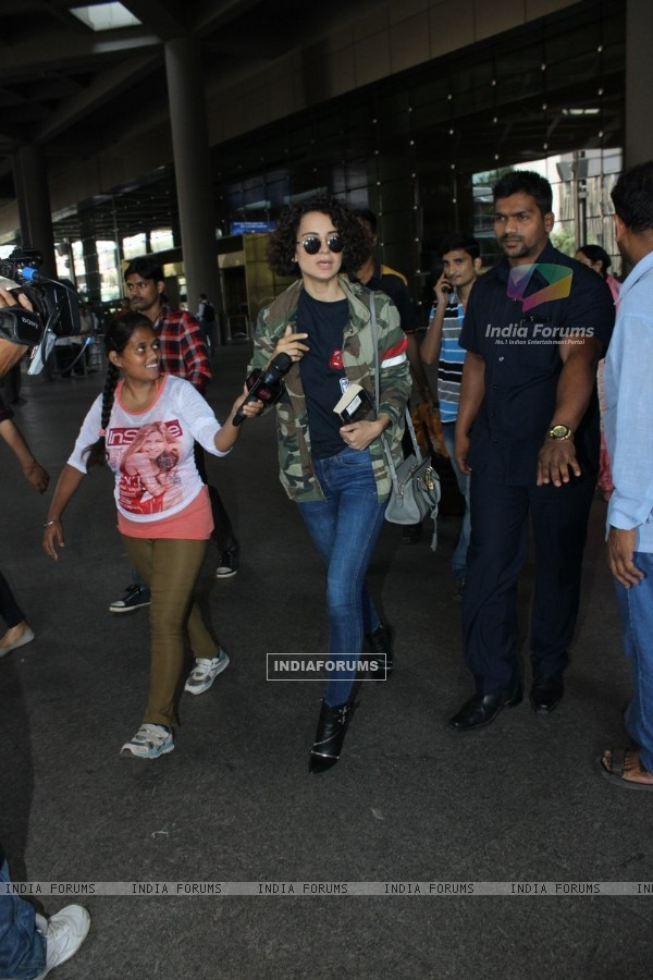 Airport Spotting: Kangana Ranaut in Rangoon Look