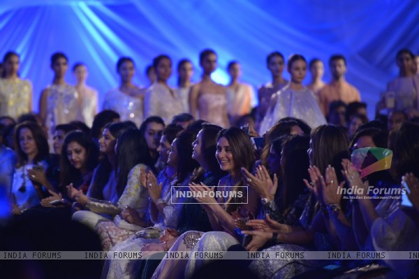 Kareena Kapoor at Lakme Fashion Show 2016