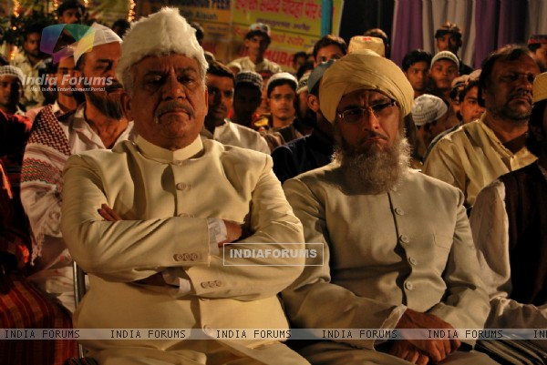 Still image of Om Puri and Pavan Malhotra