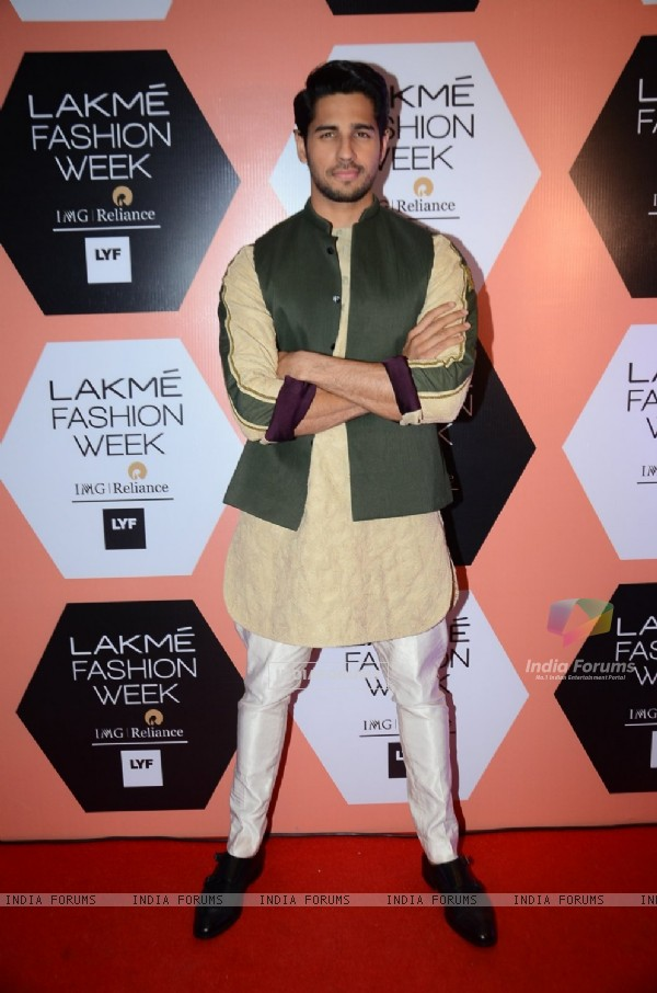 Sidharth Malohtra at Lakme Fashion Show 2016 - Day 4