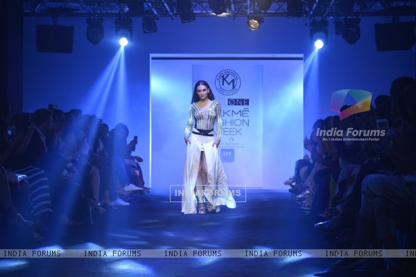 Amy Jackson at Lakme Fashion Show 2016 - Day 5