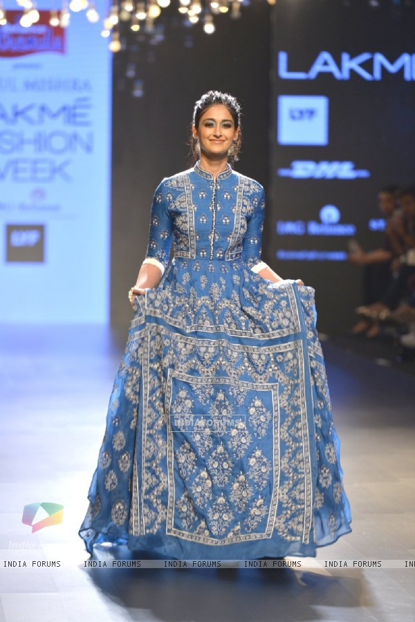 The 'Beauty' Illeana D'cruz Walks the ramp at Lakme Fashion Show 2016