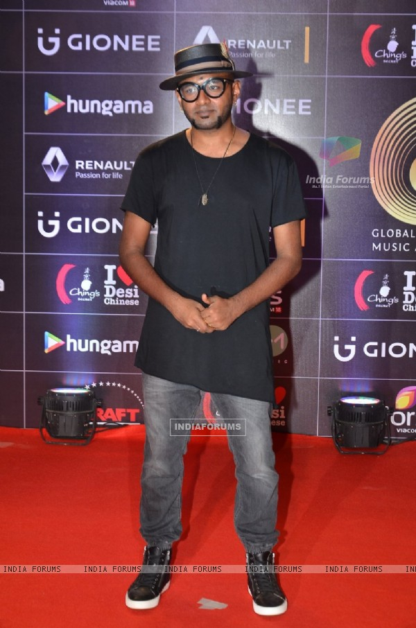 Benny Dayal at COLORS GiMA AWARDS 2016