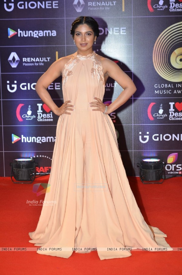 Bhumi Pednekar at COLORS GiMA AWARDS 2016
