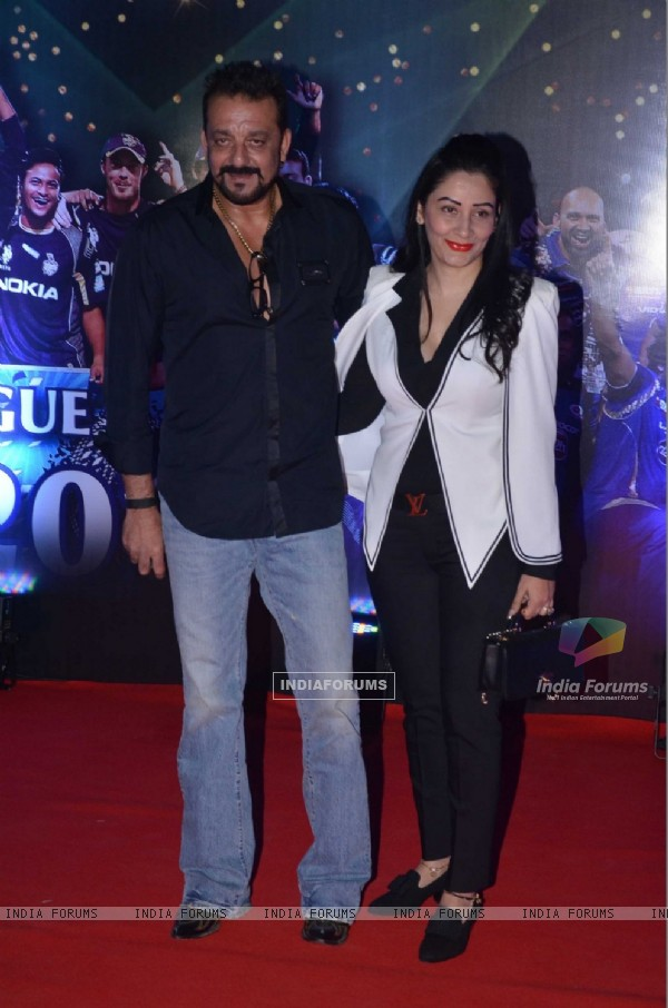 Sanjay Dutt and Manyata Dutt at IPL Opening Ceremony 2016