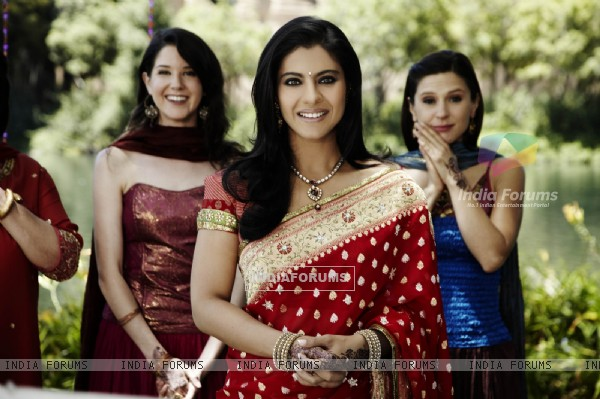 Kajol looking marvellous in red sari (40296)
