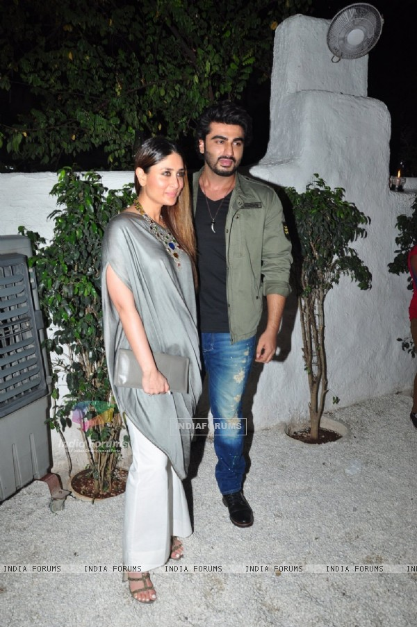Arjun Kapoor and Kareena Kapoor at Success Bash of 'Ki and Ka'