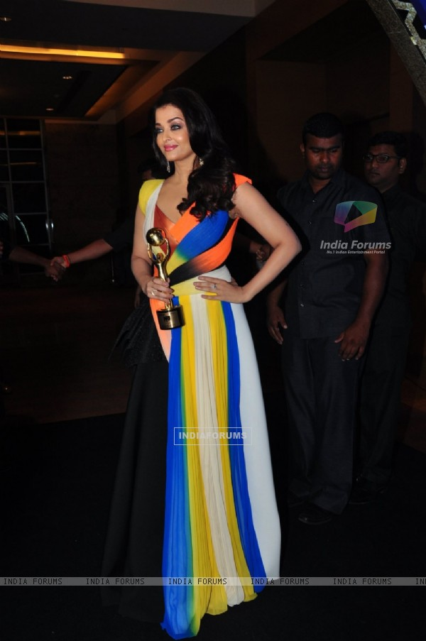 Aishwarya Rai Bachchan at NRI of the Year Awards