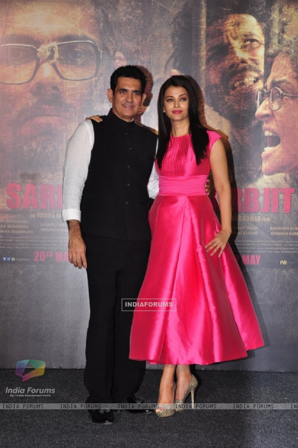 Omung Kumar and Aishwarya Rai Bachchan at Trailer Launch of 'Sarabjit'
