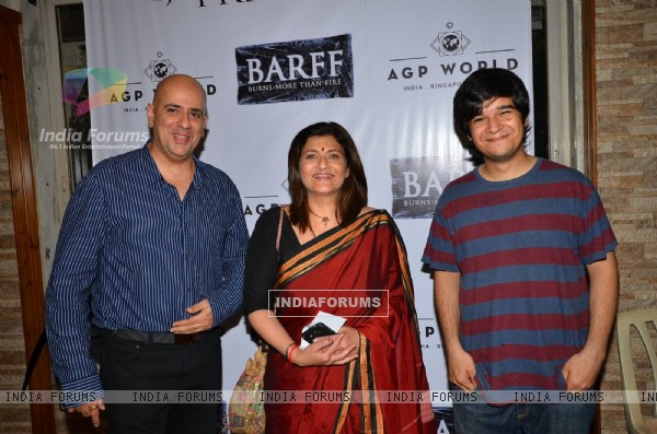 Sarika at Saurabh Shukla's Play 'Barf'
