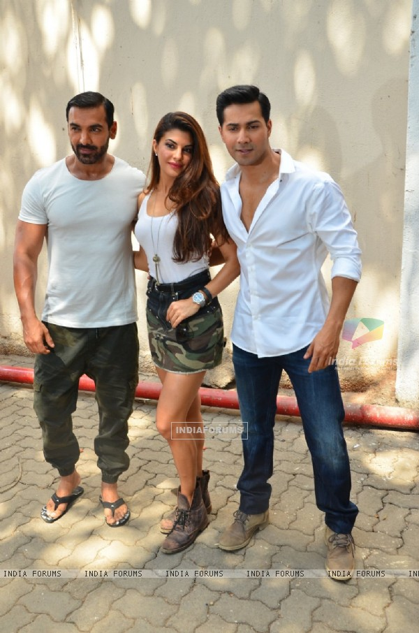 Varun Dhawan, Jacqueline Fernandes and John Abraham at Wrap Shoot of Dhishoom