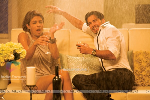 Still image of Priyanka Chopra and Dino Morea
