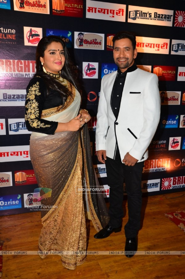 Bhojpuri Dinesh Lal Yadav with his wife Pakhi Hegde at Dada Saheb Phalke Awards