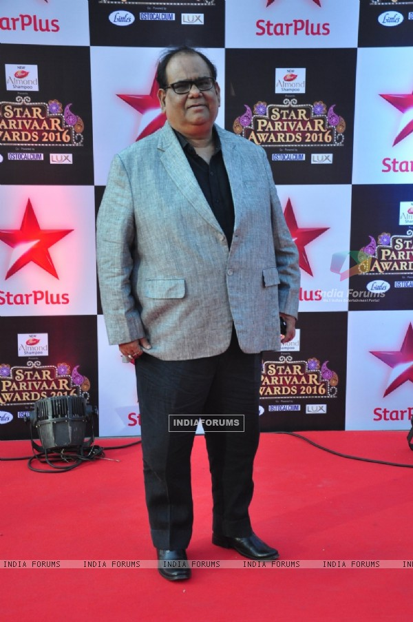 Satish Kaushik at Star Parivar Awards Red Carpet Event