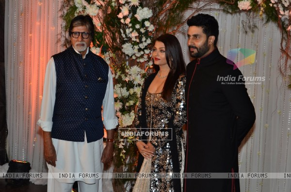 Bachan Family at Karan - Bipasha's Star Studded Wedding Reception
