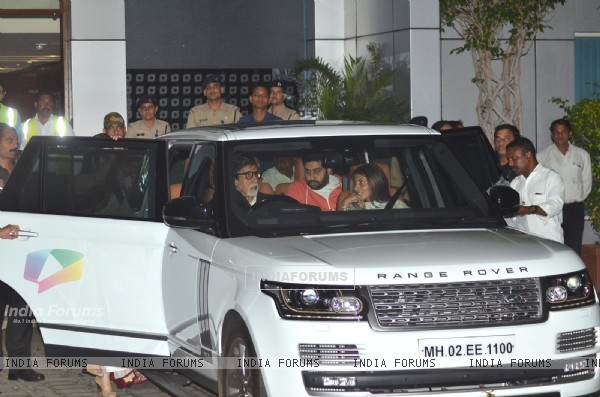 Bachchan Family returns from the 'National Award Ceremony'